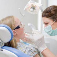 răng khôn mọc ngầm có nên nhổ khô